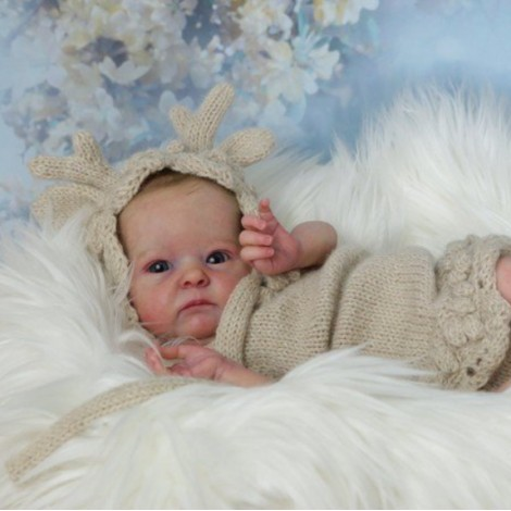 "18"" Taylor Realistic Reborn Baby Girl Doll"